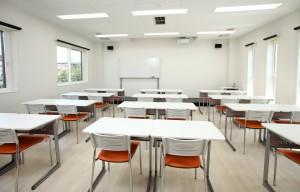 教室2F1