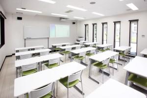 教室1F1